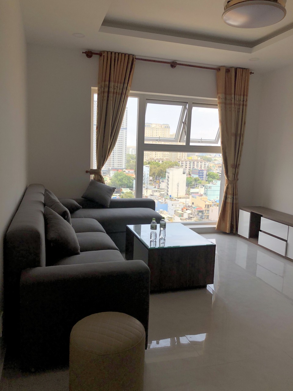 rent Xi Grand Court - 3 bedroom - 2 wc